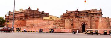 Special Honeymoon Jaipur & Udaipur Tour Package