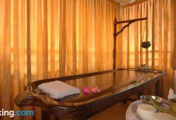 Wildlife With Houseboats Kerala