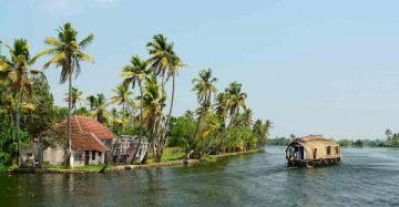 Kerala Essence 4 Night 5 Days Package