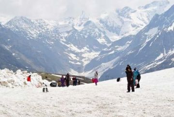 Honeymoon Tour in Manali 03 Nights & 04 Days