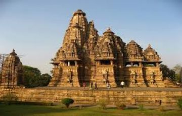 khajuraho & Bandhvgarh park tours package