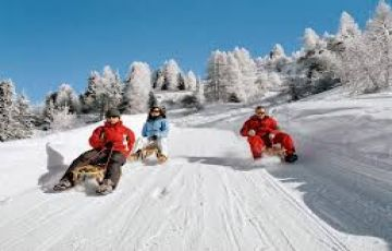 Kashmir Houseboat Package 3 Night 4 Days Tour Package