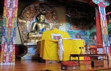 Dazzling Dharamshala Dalhousie tour by cab