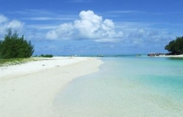 Romance In Mauritius