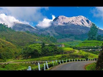 Kerala - Munnar , Alleppey Houseboat , Thekkady , Kovalam ,