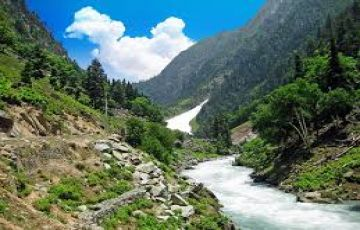 Kashmir and Mata Vaishnu Devi for 6 Nights and 7 Days