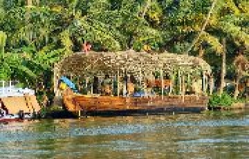 KERALA FOR ITS BACKWATERS AND MUCH MORE BY HOLIDAY YAARI