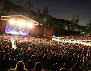 La Familial Tour Brings Latin Fire to The Greek
