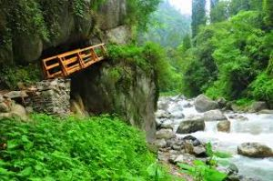 Tirthan Valley Tour Packages