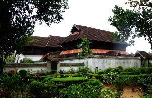 Kayamkulam Tour Packages