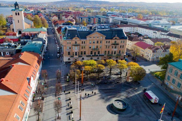 Már alig használnak készpénzt a svédek, mégis többet kell foglalkozniuk a kezelésével