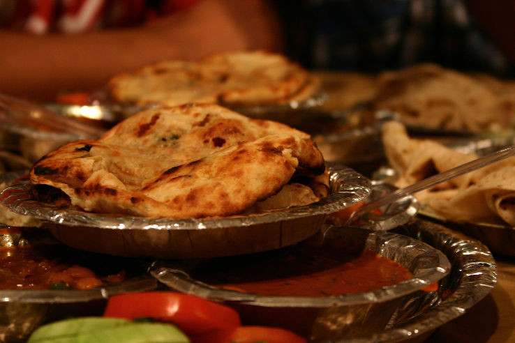Amritsari_Kulche_(6312710807)_1471935900p2.jpg