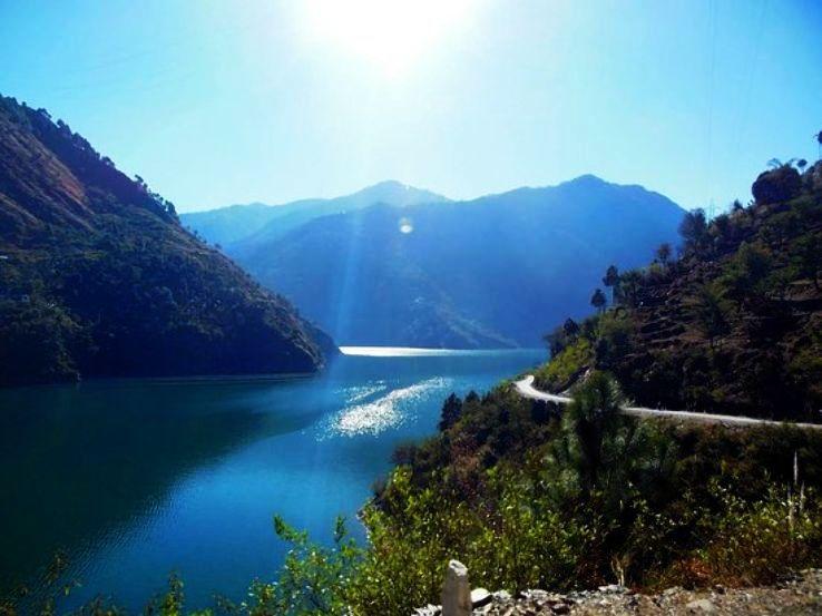 chamera-lake_1482325219p2.jpg