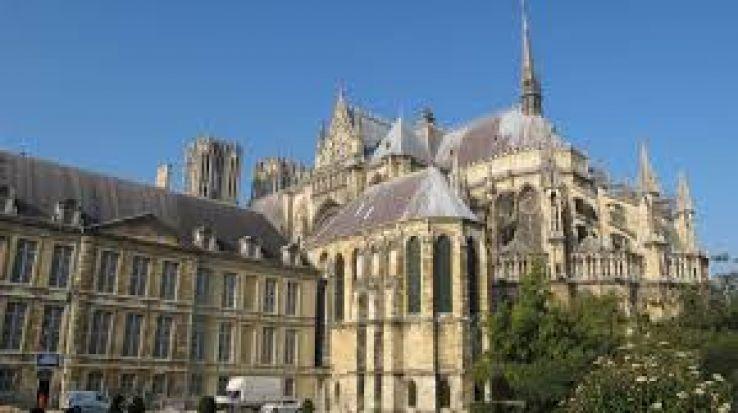 Franta: Said Kouachi a fost inmormantat la Reims, unde locuia, in noaptea de vineri spre sambata