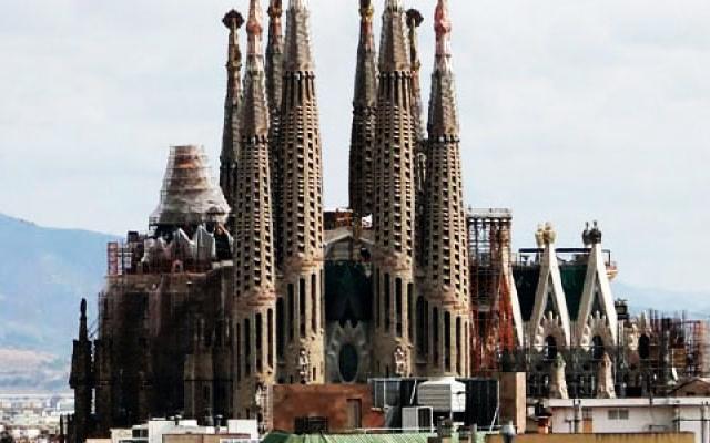 La sagrada familia spain places to see in la sagrada for La sagrada familia spain