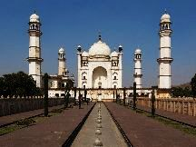 DELHI AGRA TOUR BY HOLIDAY YAARI