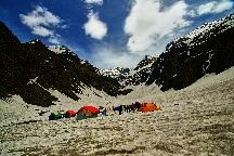 BEST BEAUTIFUL TOURIST PLACES IN DHARAMSHALA BY HOLIDAY YAARI