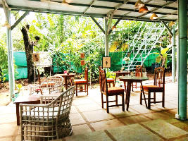 Popular Cafes In Goa You Must Not Miss If You Are Looking For Rich Goan food