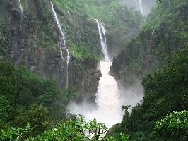 Amazing Picnic Spot With Waterfall Near Nagpur