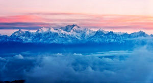 6 Epic Places to Visit in Darjeeling this Summer