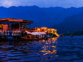 Raiding The Mountains? Here Are Not To Miss Things To Do In Kashmir
