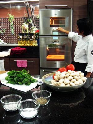 Food Hunt In The Vegetarian Restaurants In Thailand