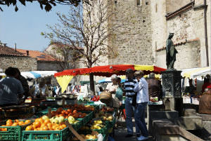 Indulge Your Shopping Desires in Top Markets of France