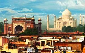 Best Historical Places to Visit Near Agra