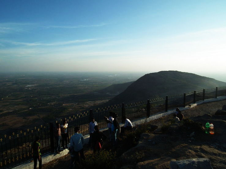 1280px-View_from_nandi_hills_bangalore_2425_1428327591s40.JPG