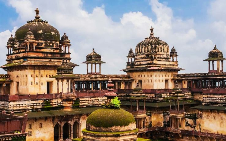 Top 5 Honeymoon Destinations Near Agra