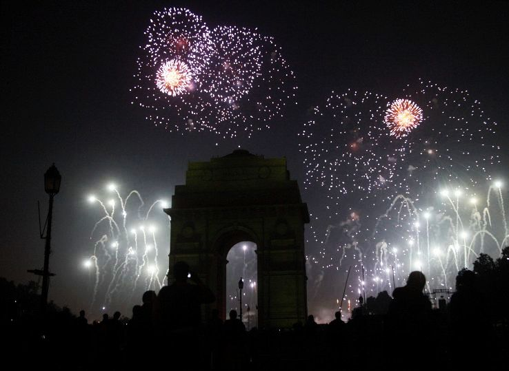 Party Like Crazy In New Delhi On The New Year Eve - Hello Travel Buzz