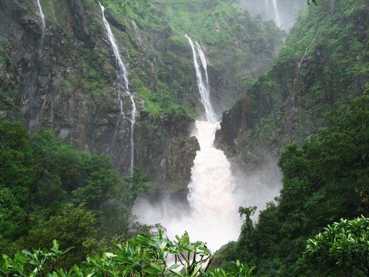 Amazing Picnic Spot With Waterfall Near Nagpur