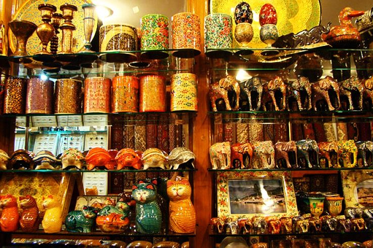 Make The Best Out Of Your Shopping In Jammu With These Items