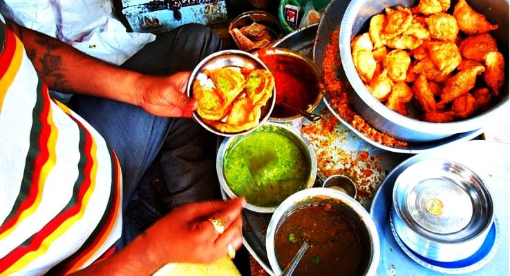 Street Foods In Gujarat To  Try Out Quick And Tasty Snacks