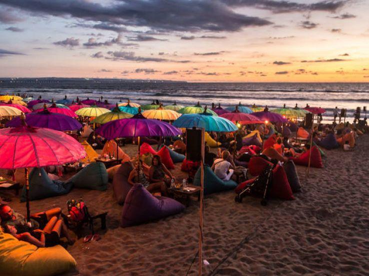 8 Best Bars & Clubs in Bali