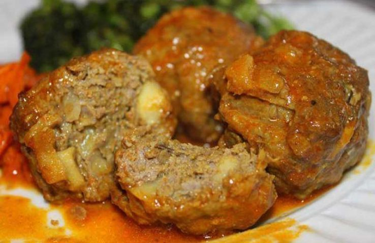 Hot & Spicy dishes of Kashmir to bring warmth to your trip