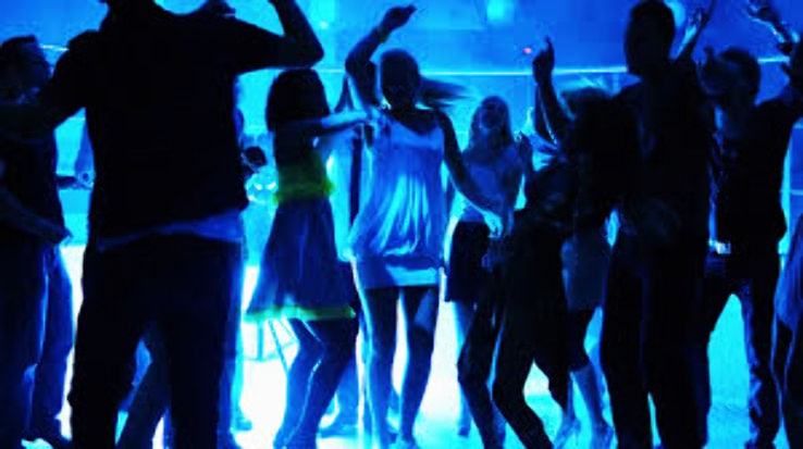 Party Like Crazy In New Delhi On The New Year Eve
