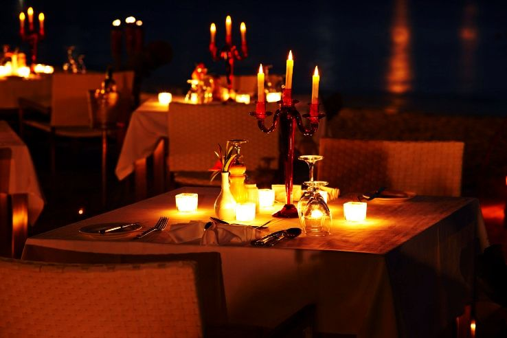 5 Places For A Romantic Candlelight Dinner In Pune Hello Travel Buzz