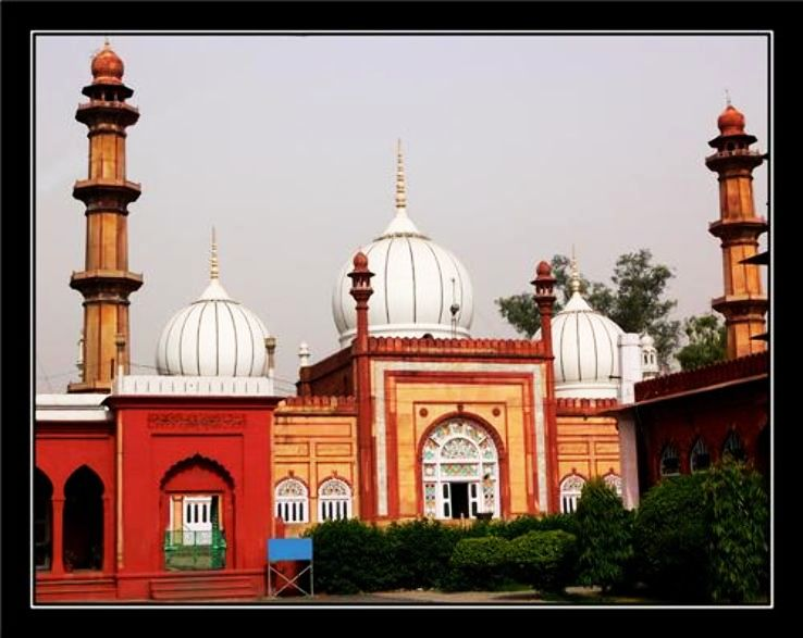 Best Heritage properties to Visit Near Aligarh