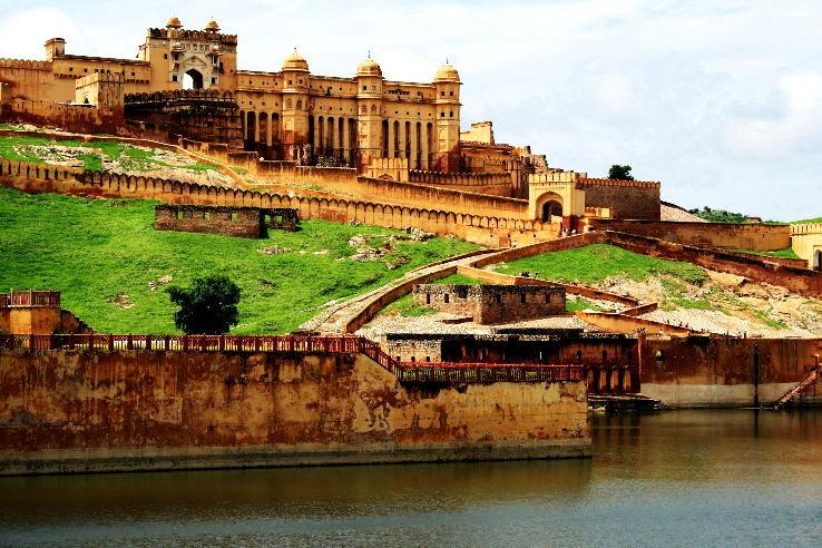 Amber_Fort,_Jaipur,_Rajasthan_1426325217u90.JPG