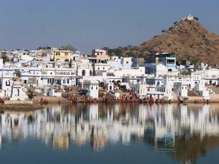 Bathing_Ghats_on_Pushkar_Lake,_Rajasthan_1426325218u160.jpg