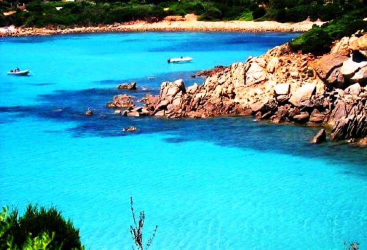 Cagliari-in-Sardinia-Italy_Splendid-blue-lagoon_11263-1.jpg