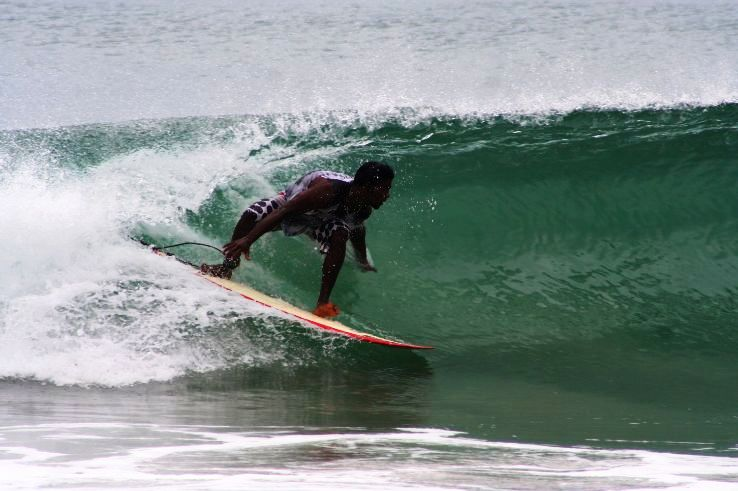 Top 5 places to do Surfboarding in India