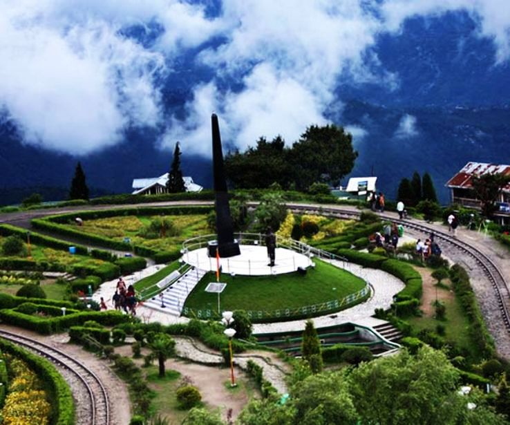 Places To Travel Summer 2015: 6 Epic Places To Visit In Darjeeling This Summer