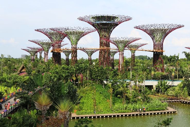 Top 10 Coolest & Futuristic Buildings from Around the World