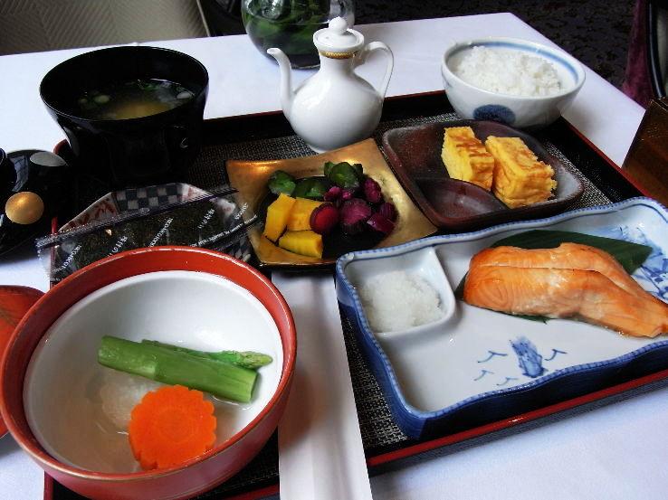 Japan-Breakfast_1464612696u30.jpg