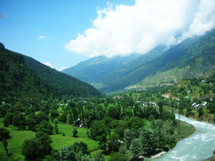5 Places To Enjoy Mother Nature In India Kashmir Valley Rajasthan Ganges Delta Hello Travel