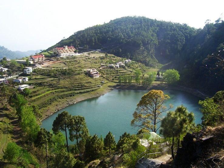 Khurpa_Tal_lake_near_Nainital,_Uttarakhand_1426325218u130.jpg