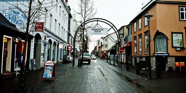 Laugavegur-Reykjavik-Iceland.jpg