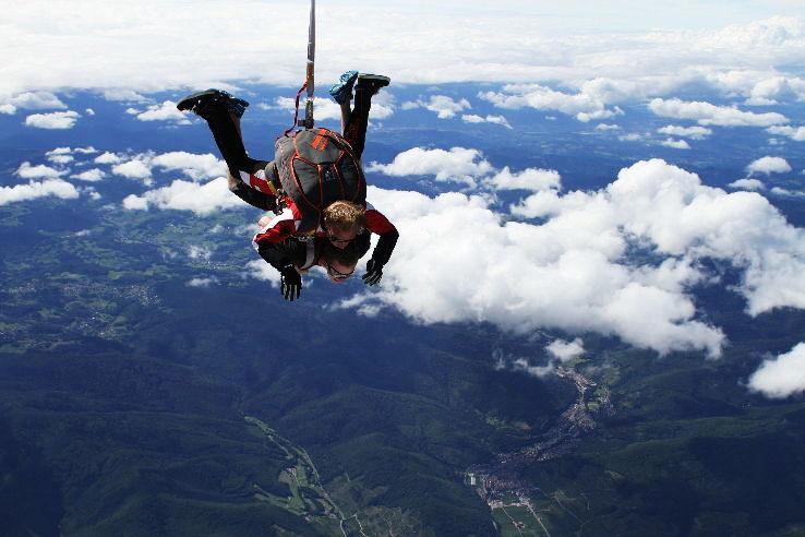 Skydiving_France_1464613153u40.jpg
